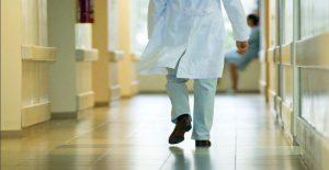 corsia-ospedale-dottore-2
