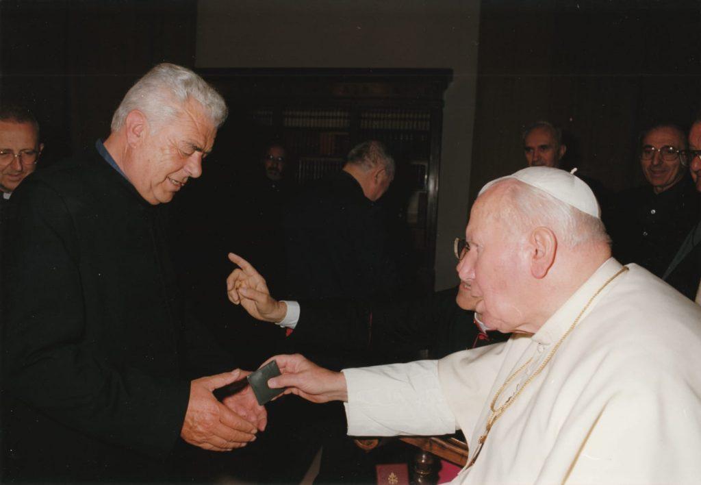 Don Alberto Panizza e papa Giovanni Paolo II